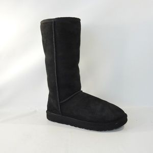 UGG 5815 Size 8 Black Suede Boots Shoes For Women